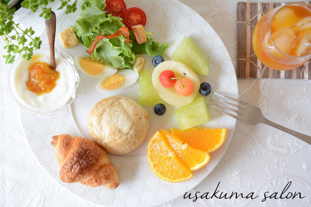 ポーセラーツの食器で朝食IMG_4479