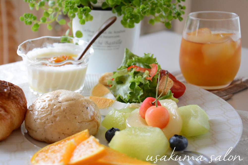 ポーセラーツの食器で朝食IMG_4481