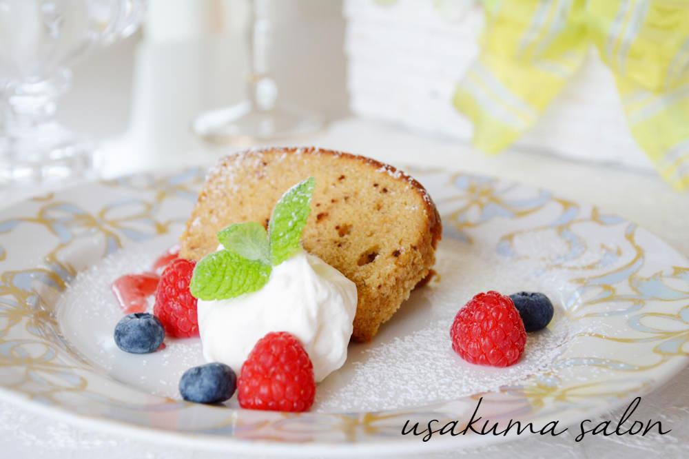 ポーセラーツの食器でケーキIMG_4677